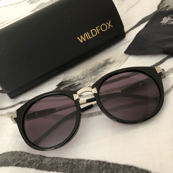 4b66a0e027 New Wildfox Sunset Deluxe 80 s Inspired Sunglasses.  M 5aca47bf8df470faf7a069fc